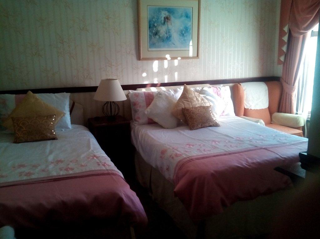 Sea Crest Hotel