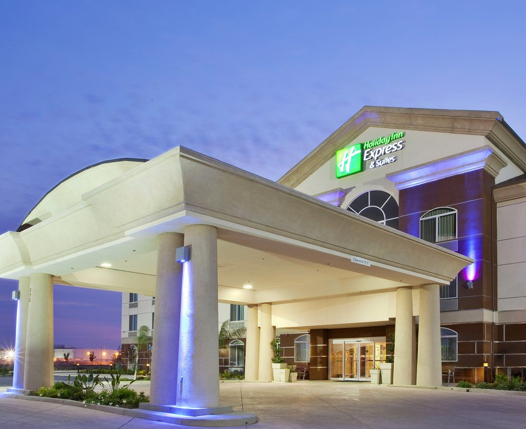 Holiday Inn Express Dinuba West
