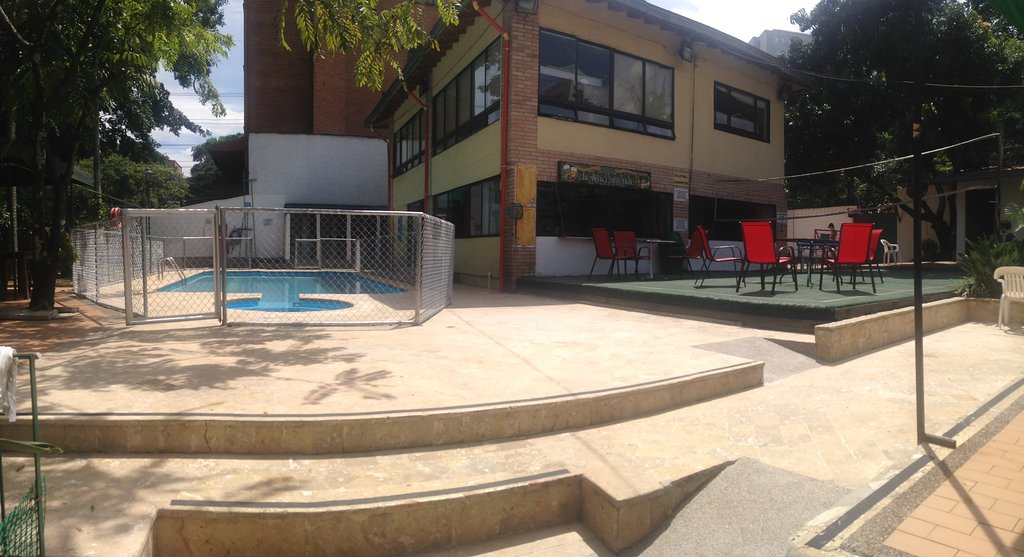 PitStop Hostel