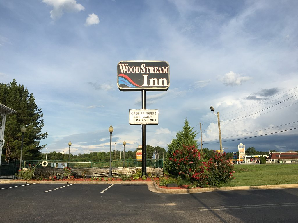 Woodstream Inn