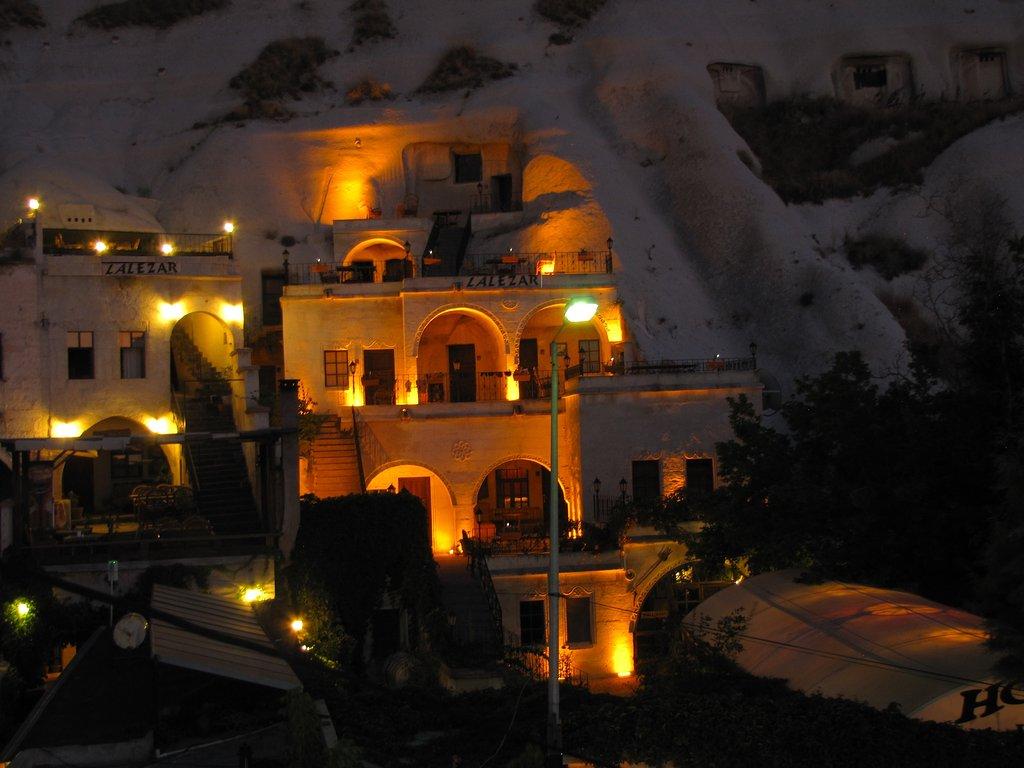 Lalezar Cave Hotel