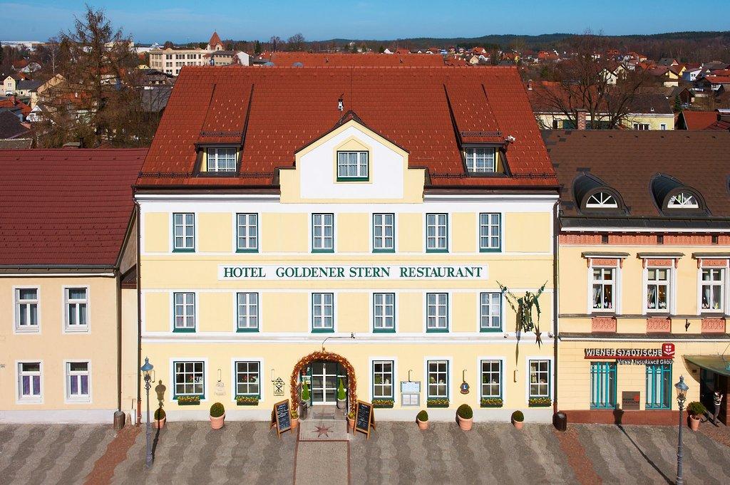 로만틱 호텔 골데네르 슈테른