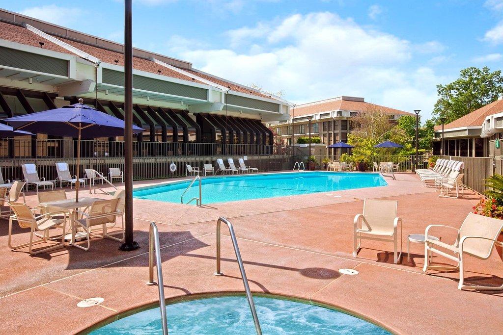 DoubleTree by Hilton Hotel Sacramento