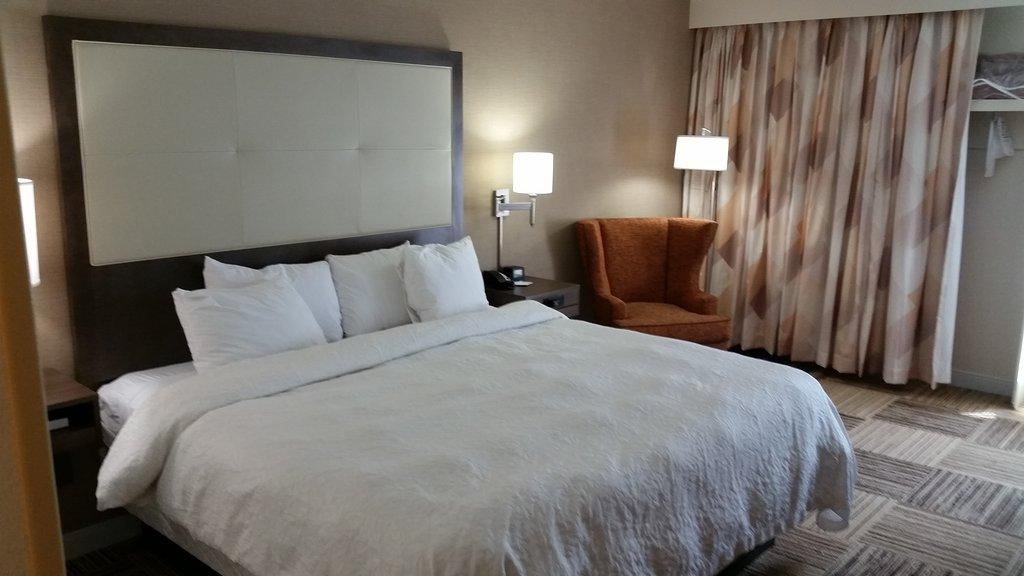 康默斯希爾頓恆庭酒店