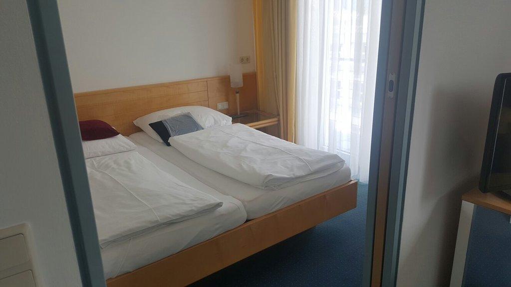 아마데오 호텔 스차펜라드