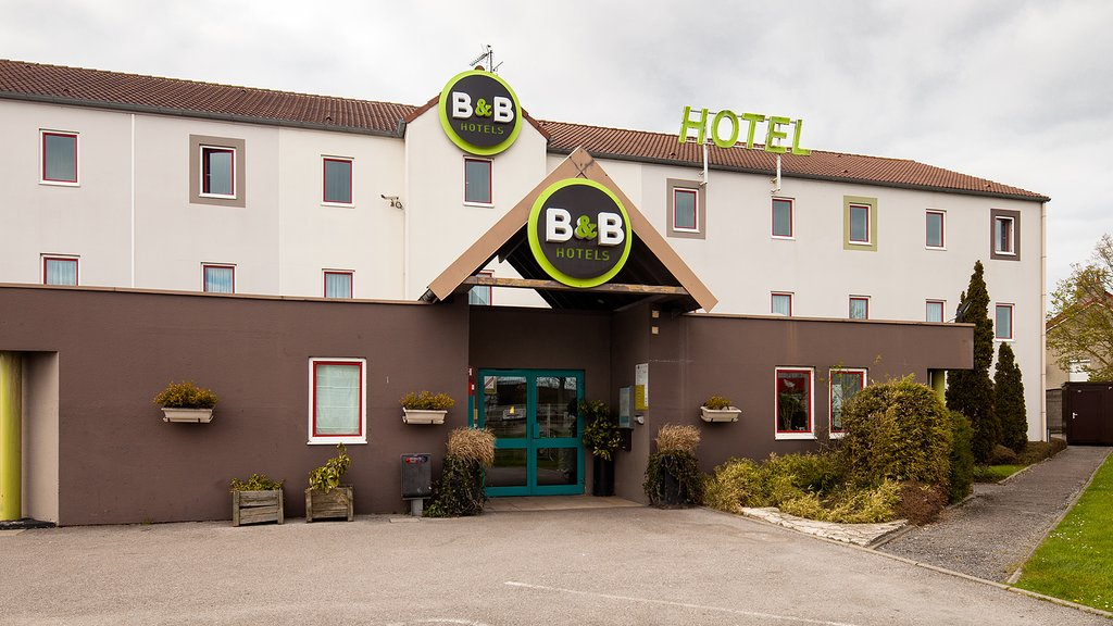 B&B HOTEL Calais Centre Saint Pierre