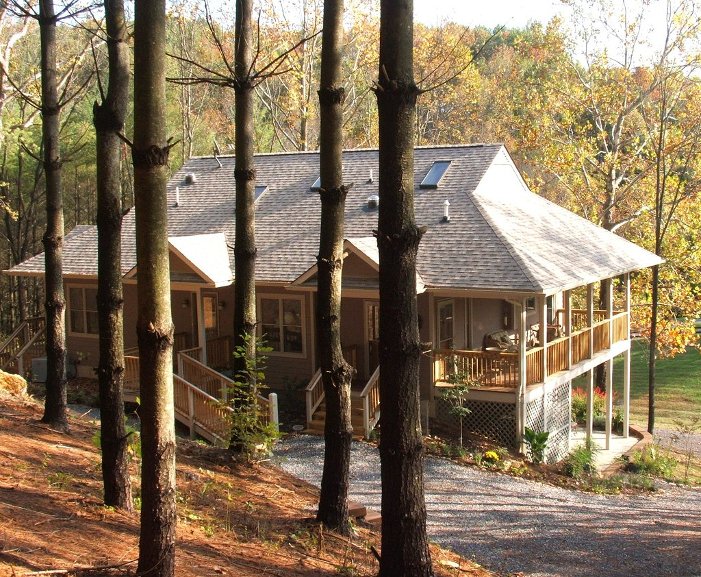 Applewood Inn, Llama Trekking & Cottage