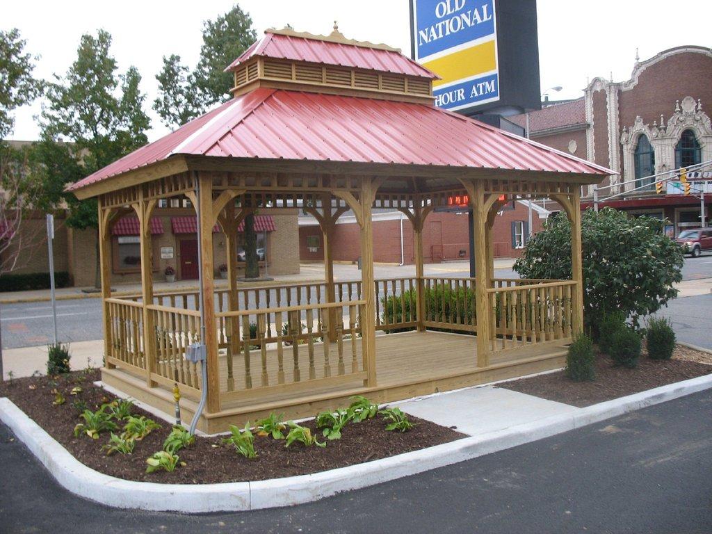 特雷霍特燭木套房飯店