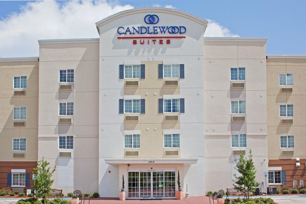 キャンドルウッド スイーツ ラ ポルテ ホテル