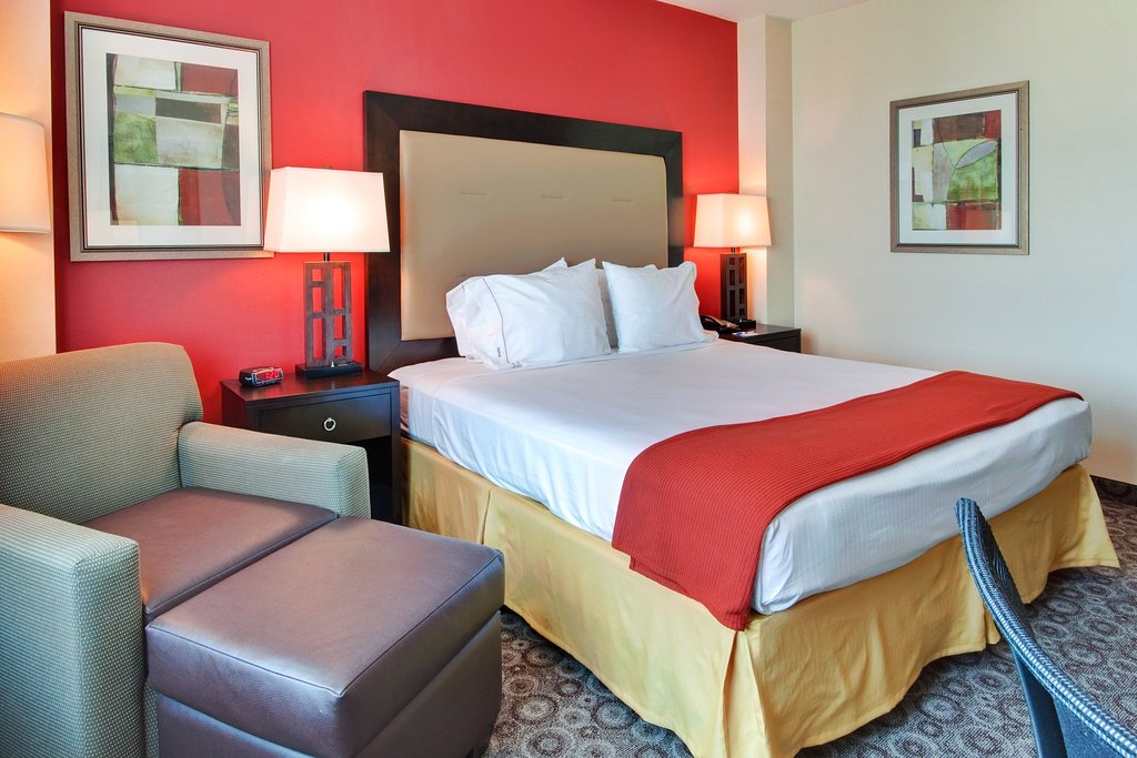 Holiday Inn Express Los Angeles-LAX Airport