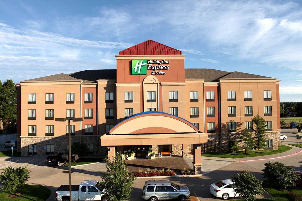 ‪Holiday Inn Express & Suites - Medical District‬