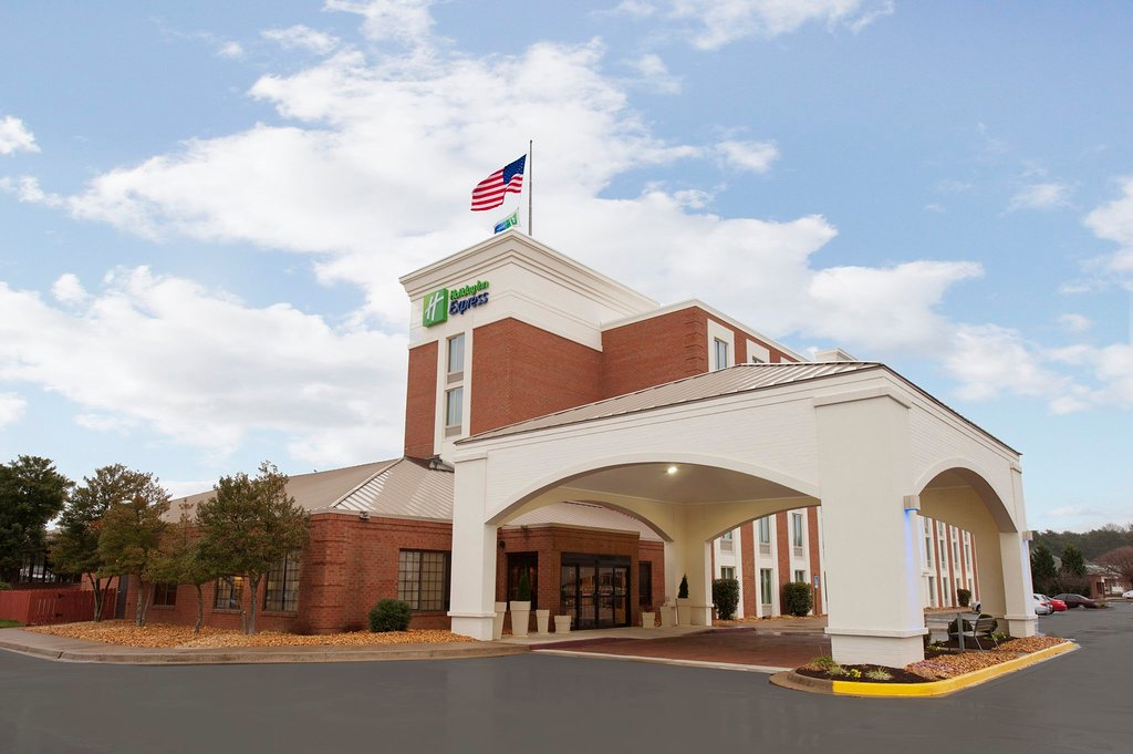Holiday Inn Express Fredericksburg Southpoint