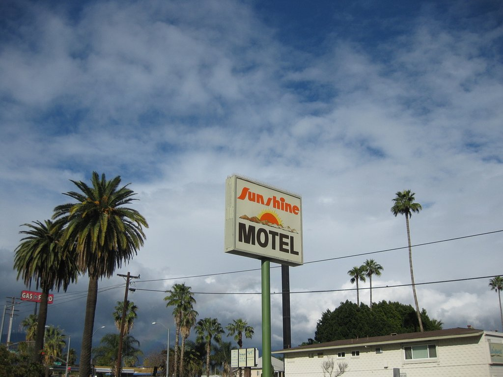 ‪Sunshine Motel‬
