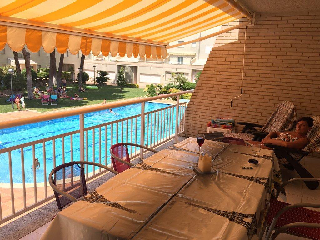 Apartamentos Els Pins / Amarres