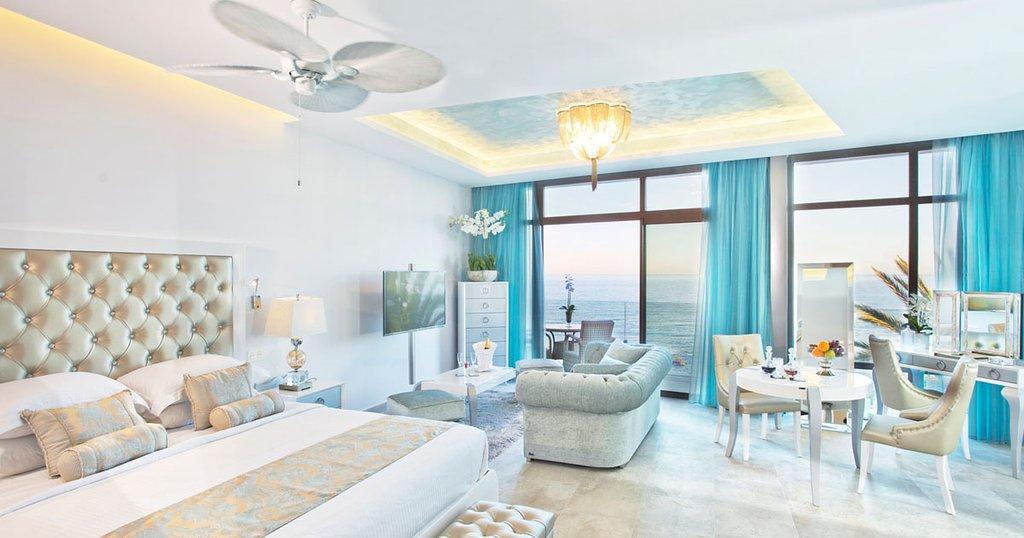El Oceano Beach Hotel