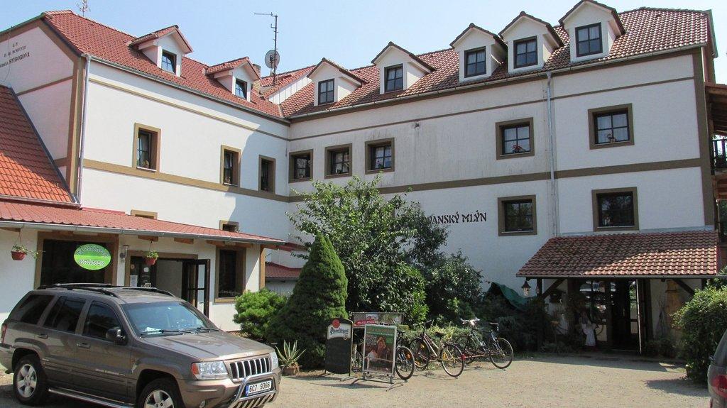Borovanský Mlýn Penzion Restaurant