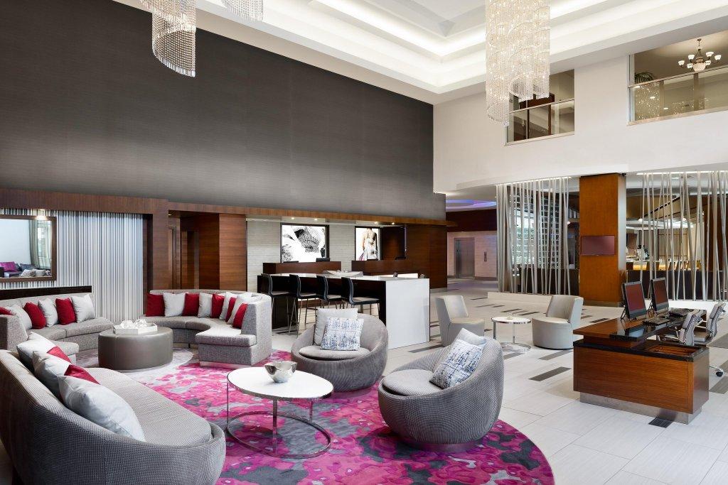 洛杉磯伍德蘭山希爾頓飯店