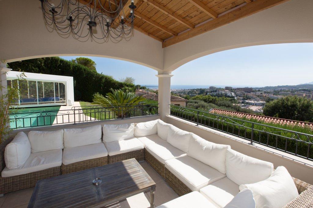 Villa Stephanie Guesthouse