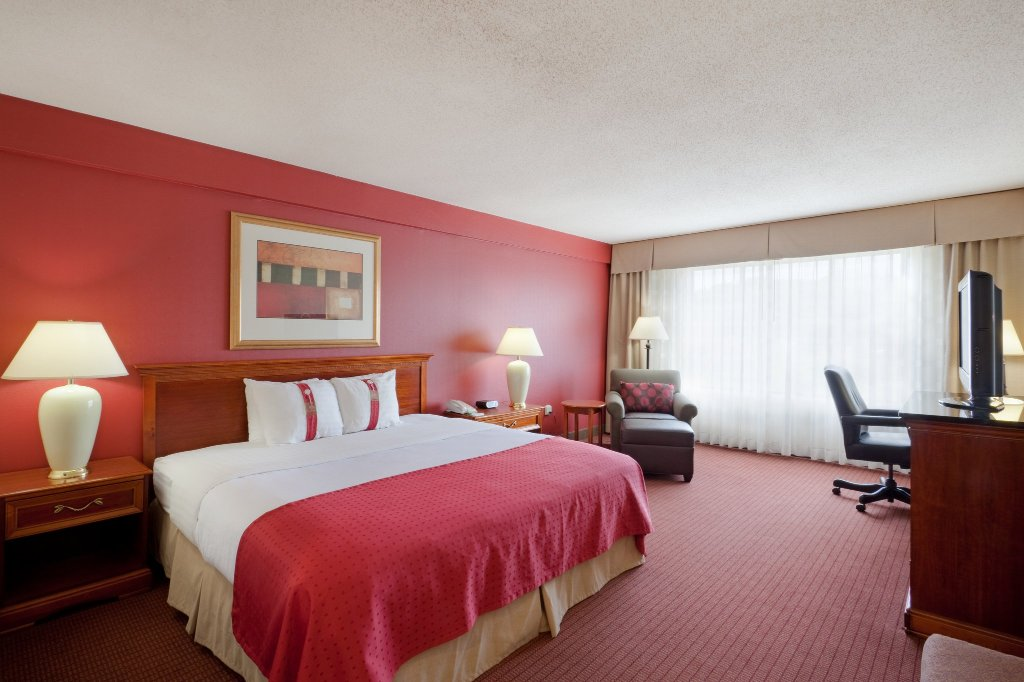 Holiday Inn Boston Brookline