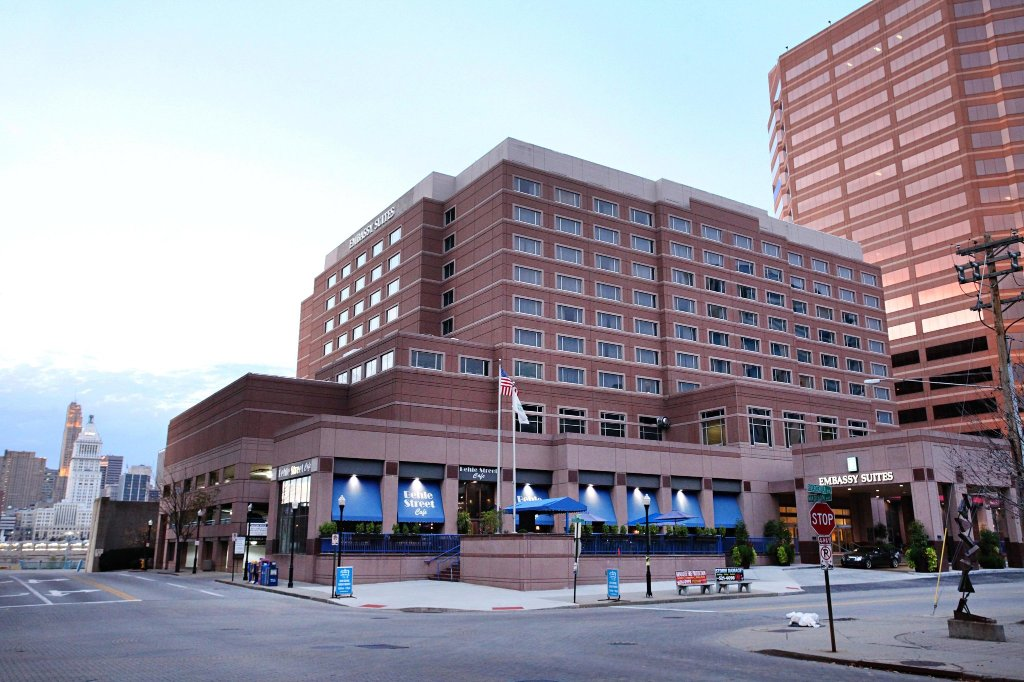 ‪Embassy Suites by Hilton Cincinnati - RiverCenter (Covington, KY)‬