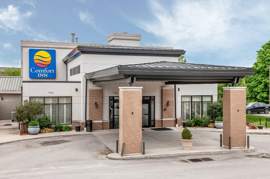 ‪Comfort Inn Bloomington‬