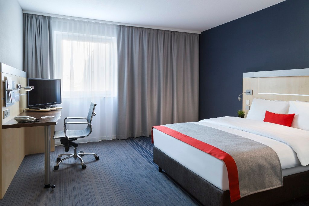 ‪Holiday Inn Express Koln-Mulheim‬