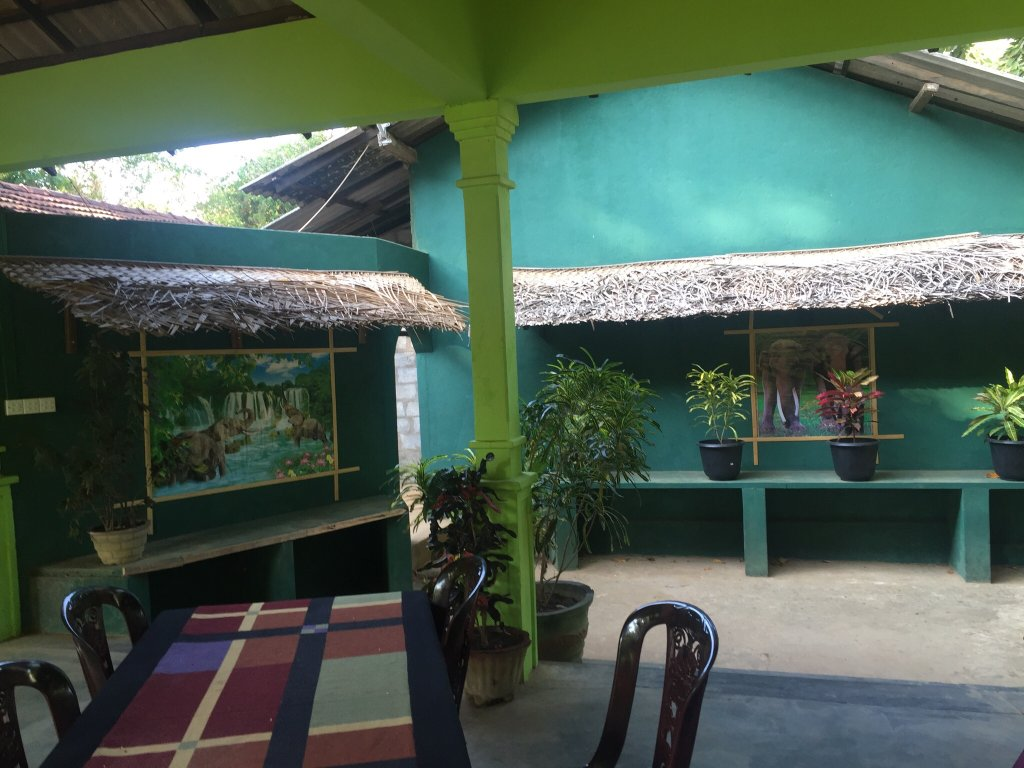 Paradise Guest & Restaurant