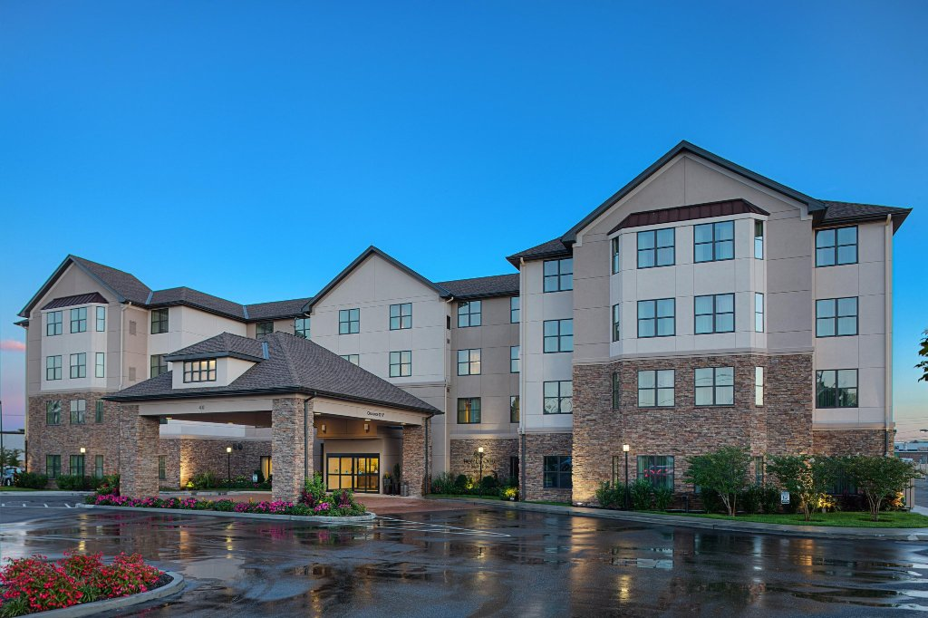 Homewood Suites by Hilton Carle Place - Garden City