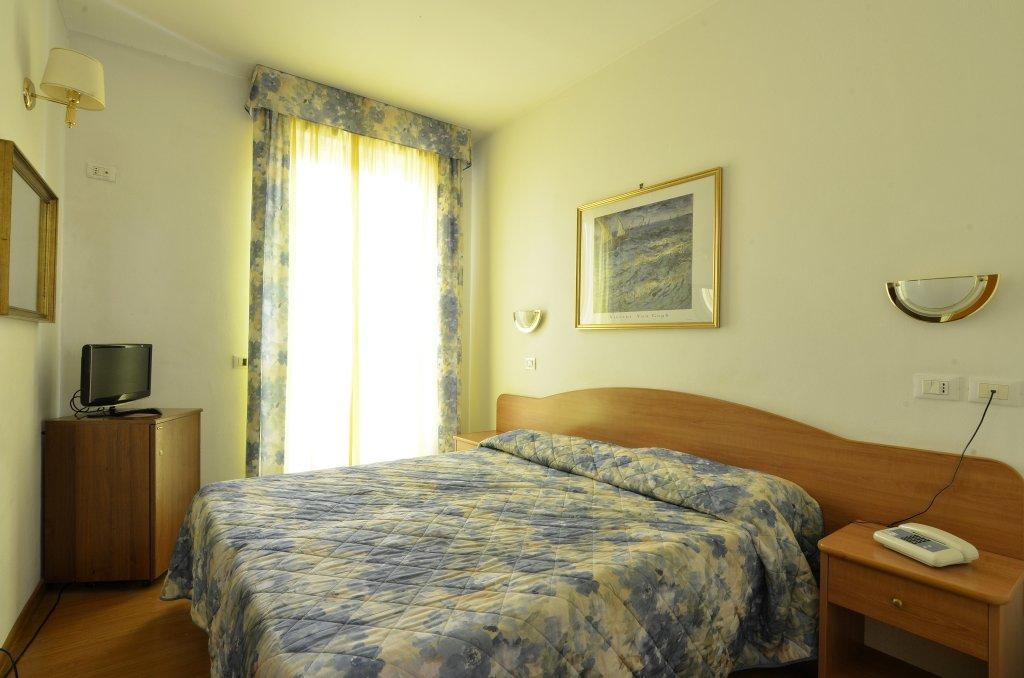 Tirreno 酒店