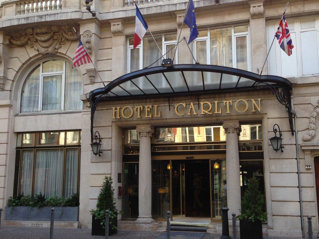 ホテル カールトン リール