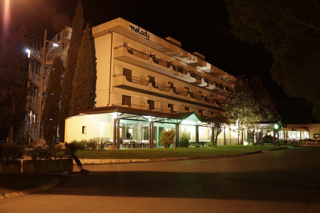 ホテル メロディ