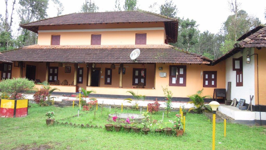 Orange Villa Homestay