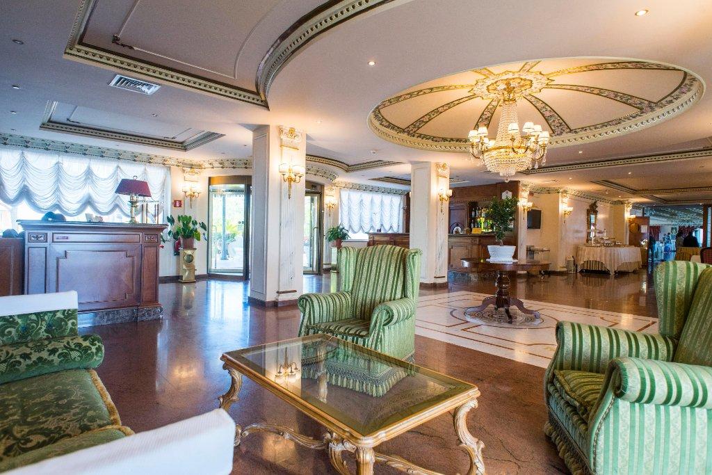 Aljope Grand Hotel