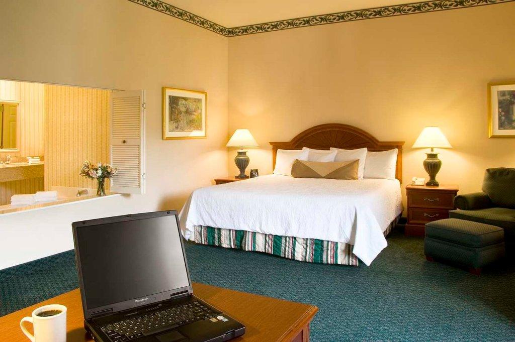 โรงแรมฮิลตันการ์เด้นอินน์ เซนต์ชาร์ล