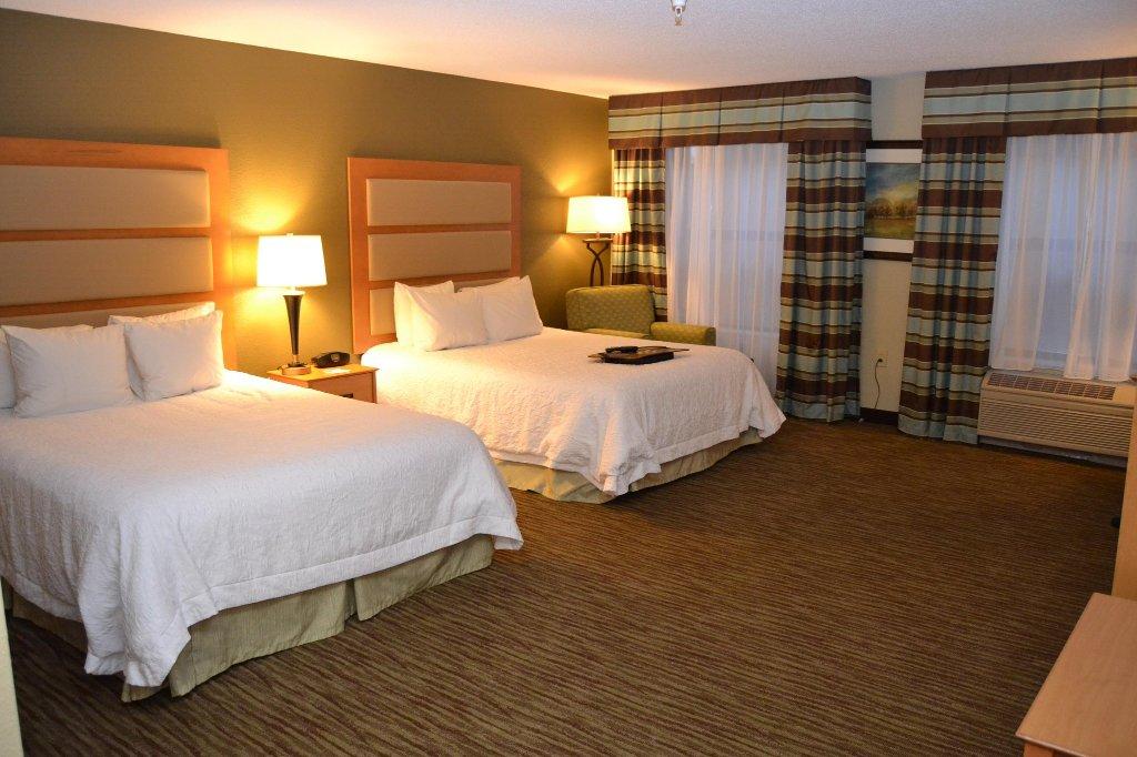 卡拉馬祖-奧什特米恒庭旅館及套房飯店