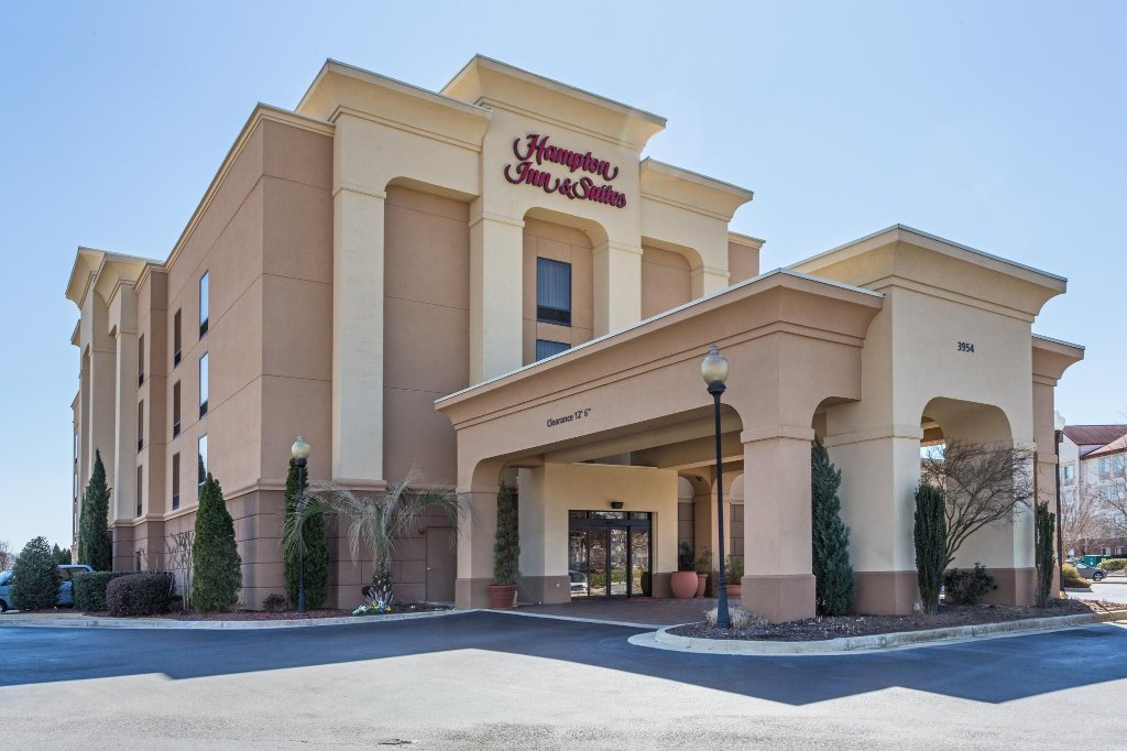 Hampton Inn & Suites Macon I-75 North
