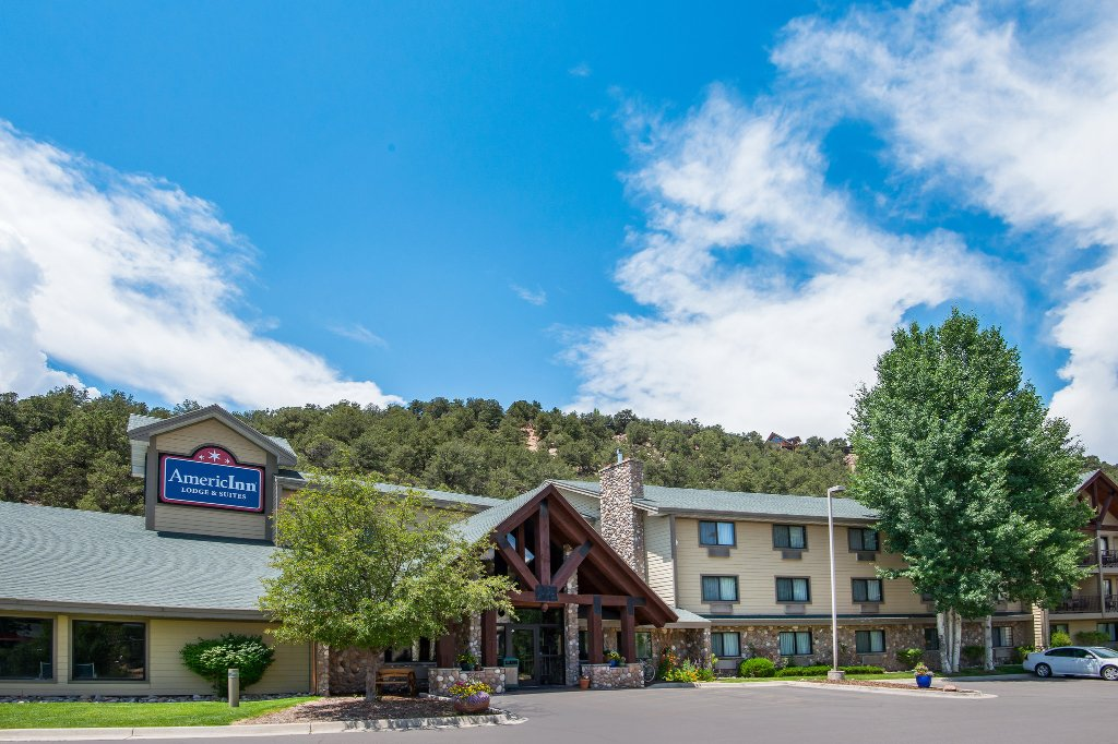 AmericInn Lodge & Suites Eagle
