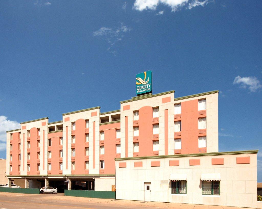 滑鐵盧品質套房飯店