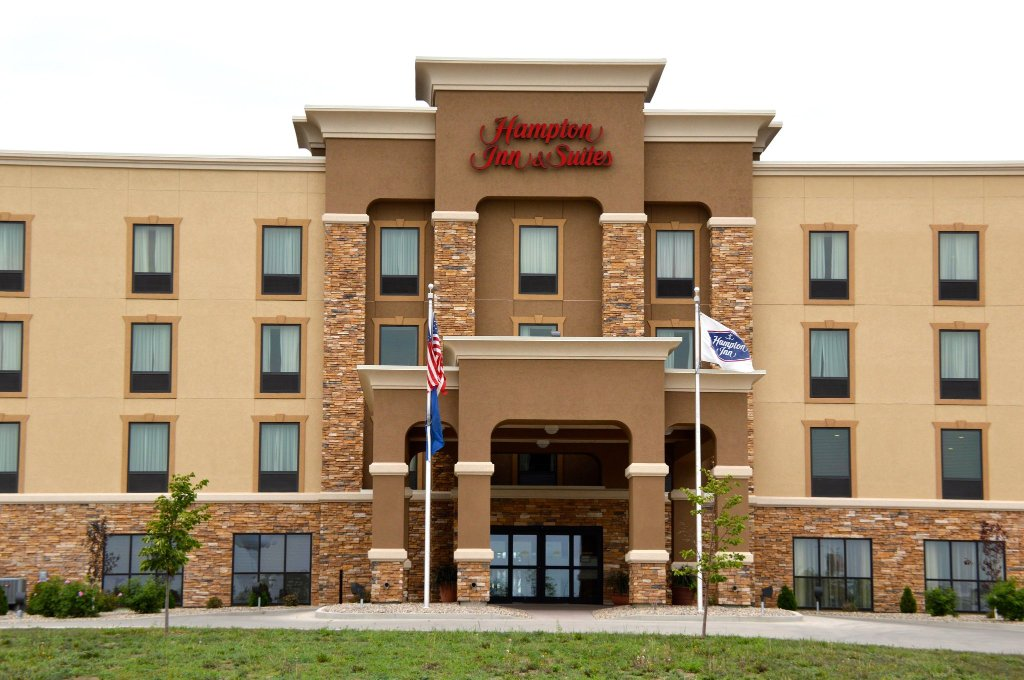 Hampton Inn & Suites Jamestown ND
