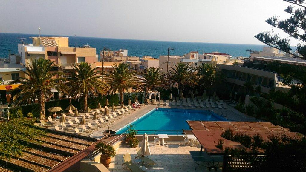 ミノス ホテル