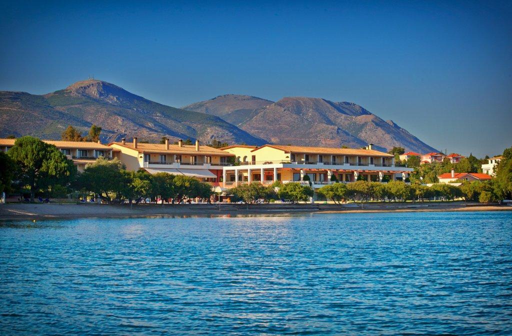 埃雷特里亞內格羅蓬特度假飯店