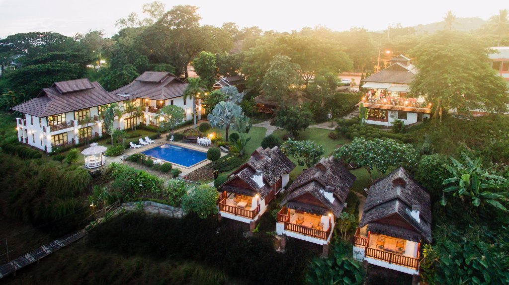 Gin's Maekhong View Resort & Spa