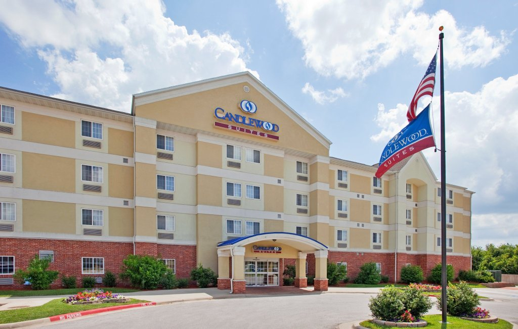 Candlewood Suites Joplin Hotel