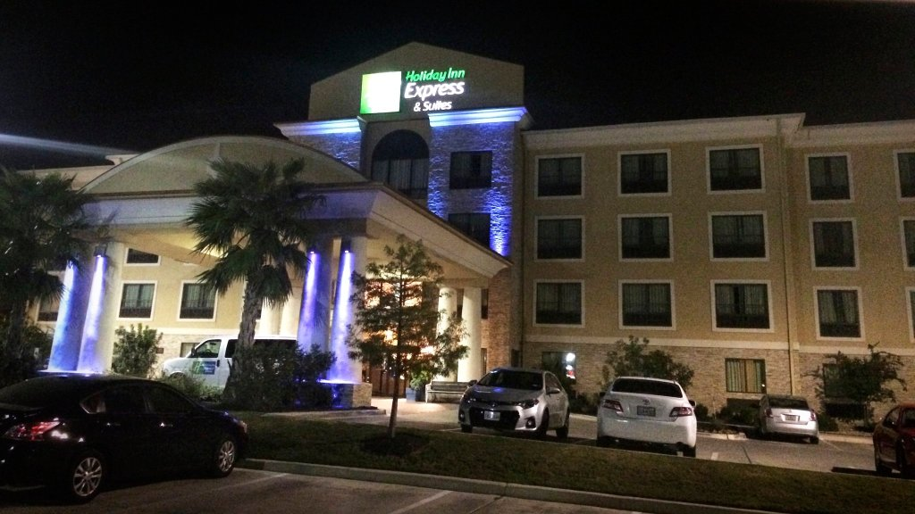 Holiday Inn Express Hotel & Suites San Antonio NW Near Seaworld