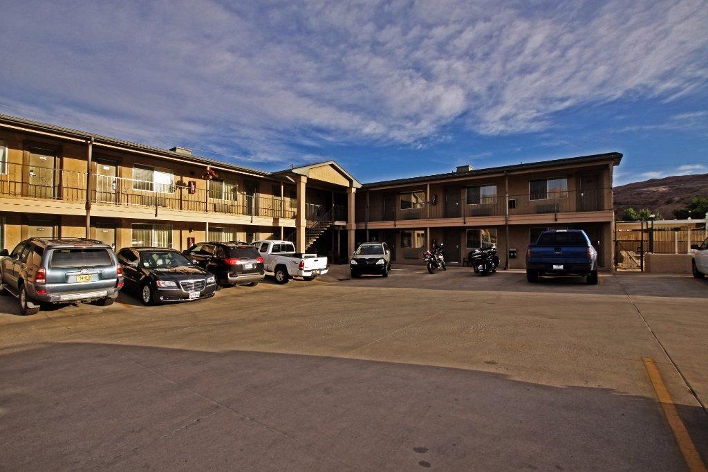 Bowen Motel