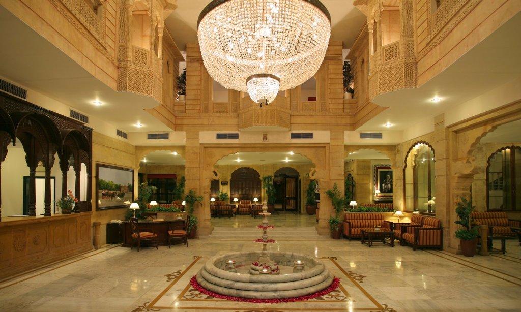 โรงแรมกอบันด์ พาเลซ