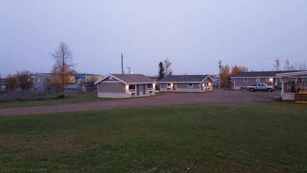 Sunrise Inn and Suites