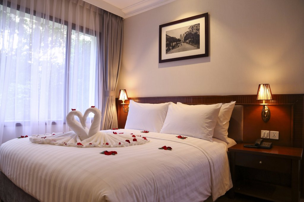Mon Regency Hotel
