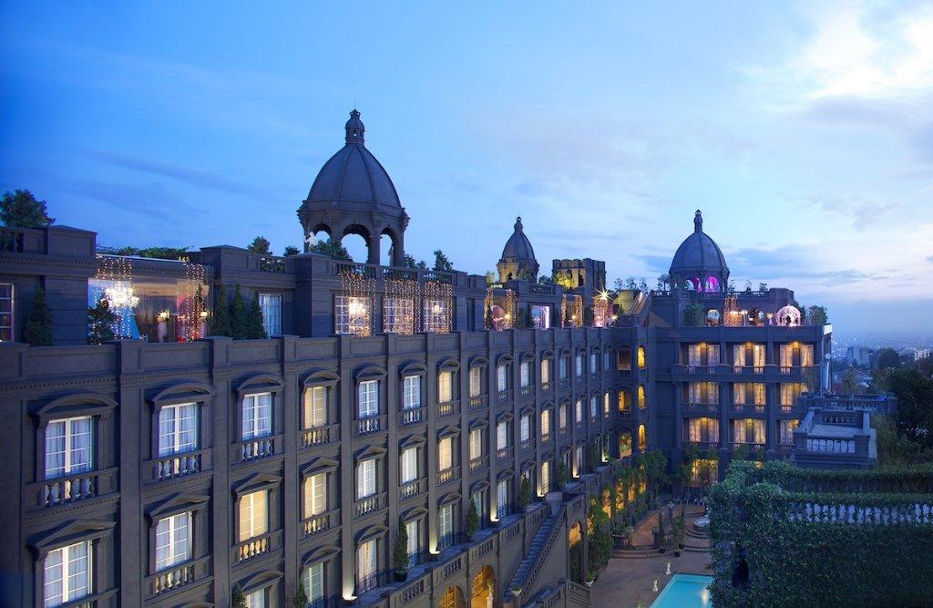 โรงแรมจีเอช ยูนิเวอร์แซล