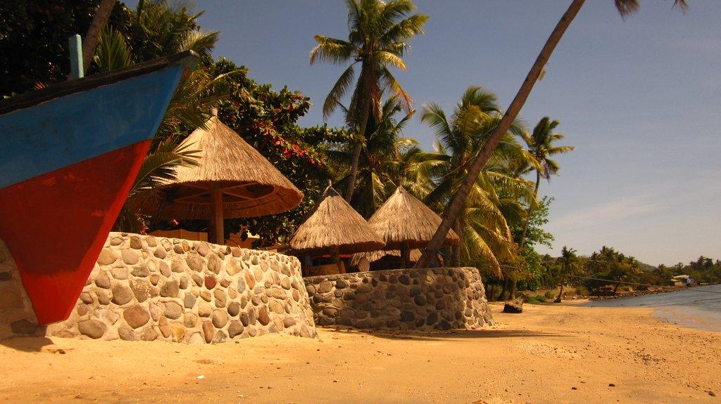 Larantuka Beach Apartments